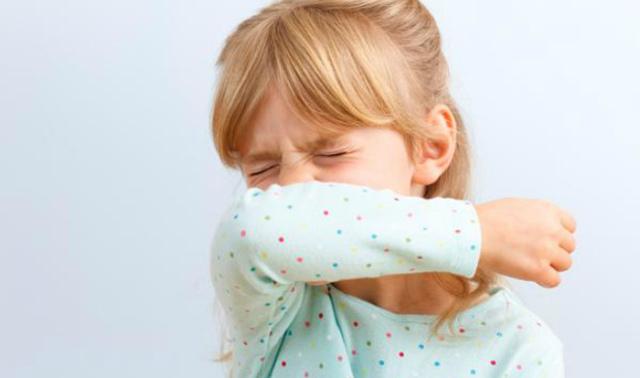 У ребенка потекли сопли и чихает что делать в домашних условиях