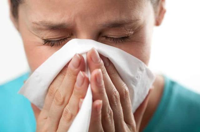 Сопли с гноем у взрослого причины и лечение в домашних условиях