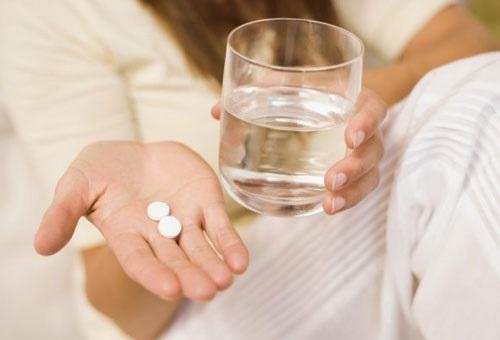 Можно ли про повышенном давлении пить атетилсалициловую кислоту?