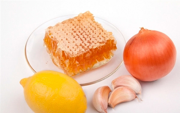 Мед и чеснок от кашля