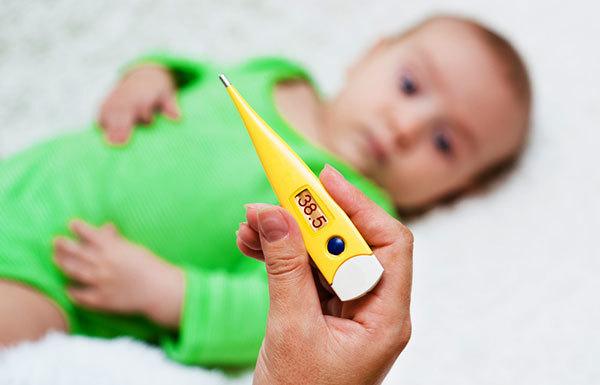 Сколько держится температура при прорезывании зубов у детей до года и сопли