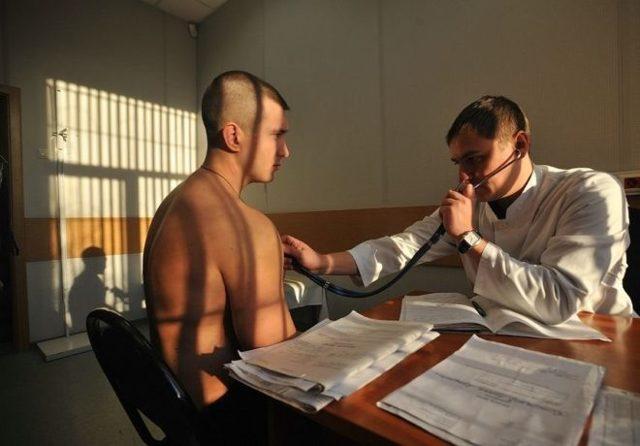Берут ли в армию с себорейным дерматитом волосяной части головы