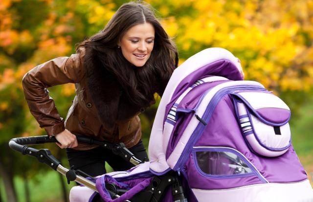 Можно ли гулять с соплями ребенку до года в дождливую погоду?