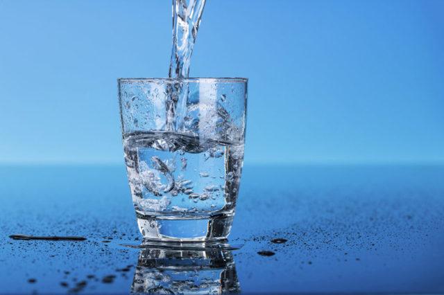 Можно ли пить воду при повышенном давлении?