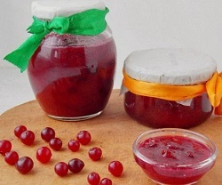 Варенье из клюквы с яблоками и грецкими орехами для иммунитета
