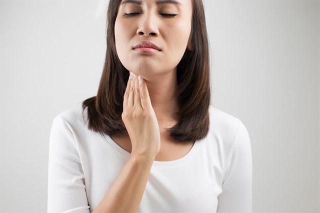 Почему сопли стекают по задней стенке горла а не вытекают через нос?