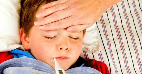 Постоянный кашель у ребенка температура