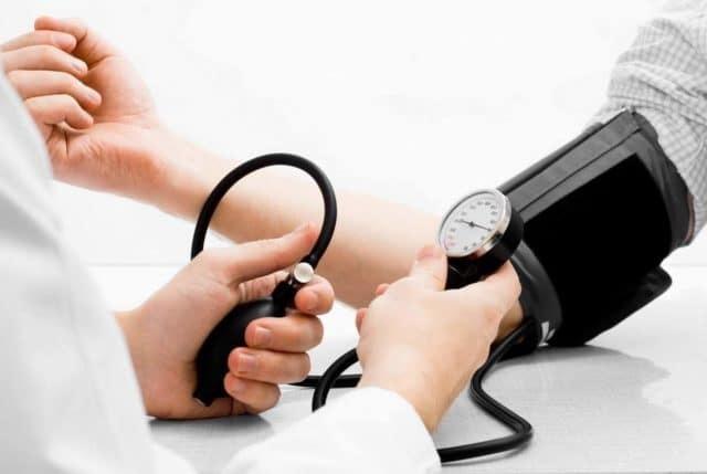 Можно ли париться в бане при повышенном артериальном давлении?