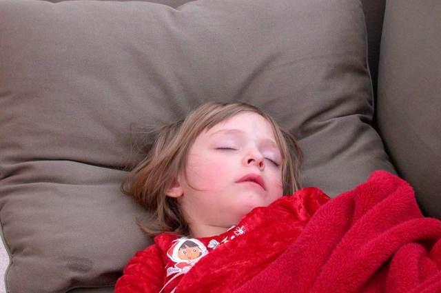Ночью кашель у ребенка усиливается