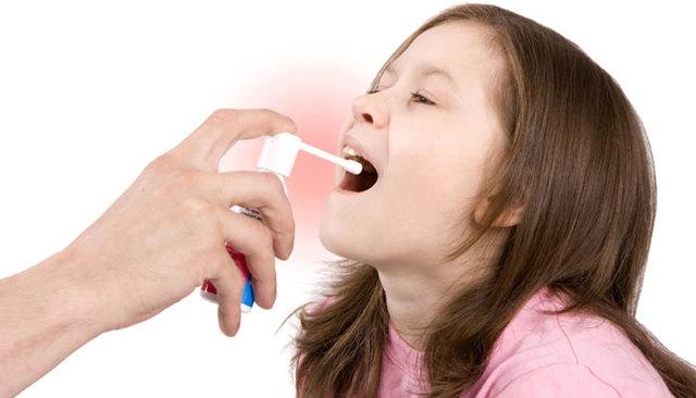 Дерущий горло кашель у ребенка