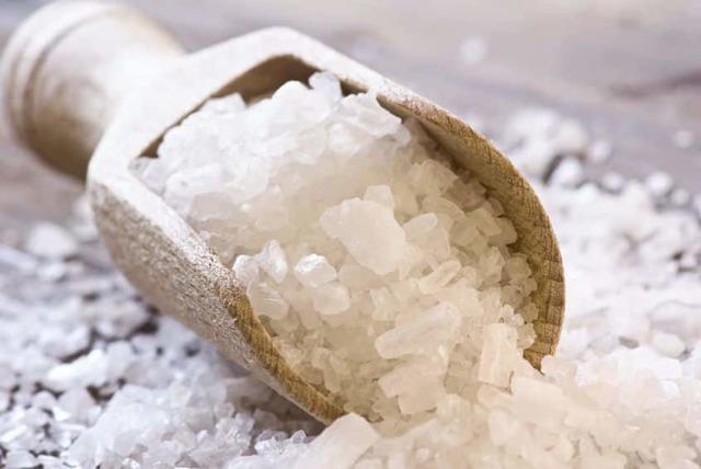 Морская соль от себорейного дерматита на голове