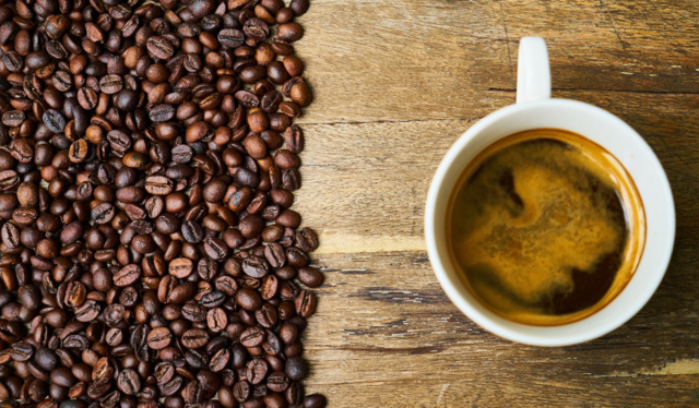 Можно ли пить кофе без кофеина при повышенном давлении?