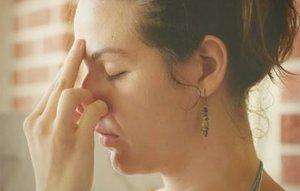 У ребенка не дышит нос соплей нет никакие капли не помогают