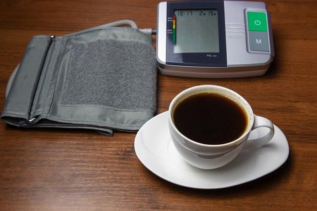 Можно ли пить кофе с молоком при повышенном давлении?