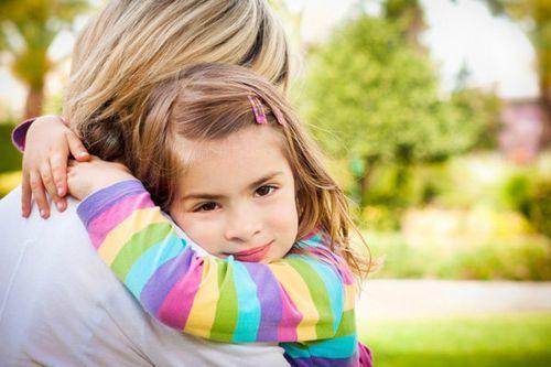 Можно ли водить ребенка в сад с соплями и кашлем комаровский?