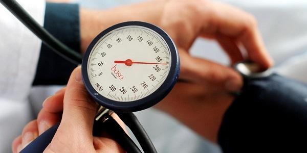 Как быстро снять повышенное давление в домашних условиях быстро?