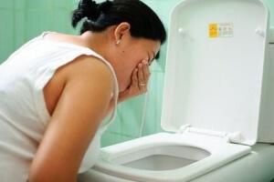 Что делать если болит голова и тошнит повышенное давление?