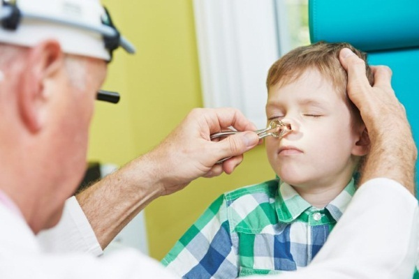 У ребенка по утрам заложен нос но нет соплей что может быть