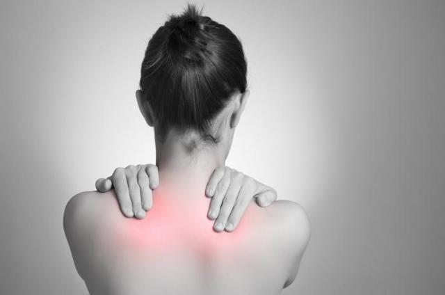 Причины возникновения боли при шейном остеохондрозе
