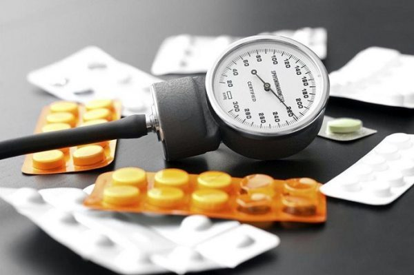 Можно ли при повышенном давлении пить глицин?