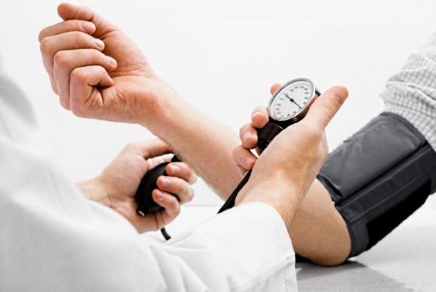 Может ли остеохондроз шейного отдела быть причиной повышенного давления