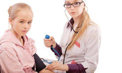 Что делать если у ребенка повышенное давление 10 лет?