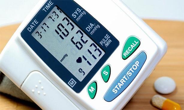 Что можно принимать при пониженном давлении и повышенном пульсе?