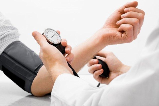 К какому врачу обращаться при повышенном давлении и головокружении