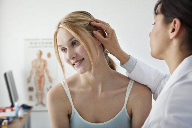 Как себорейный дерматит влияет на выпадение волос?
