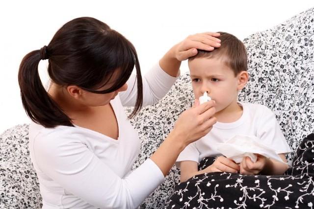 У ребенка заложен нос но сопли не текут и храпит как лечить комаровский
