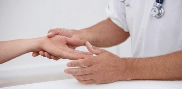 Дерматит псориаз ладоней и подошв лечение