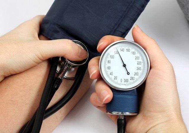 Народные средства при повышенном давлении в пожилом возрасте