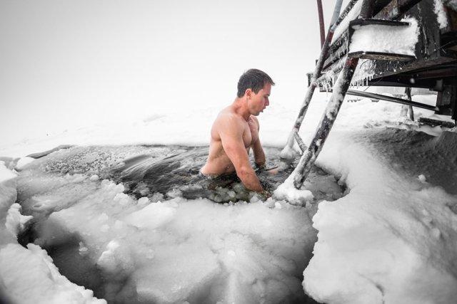 Можно ли при повышенном давлении купаться в горячей воде?