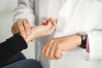 От чего может быть при нормальном давлении повышенный пульс
