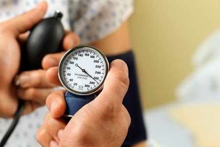 Повышенное давление при беременности на поздних сроках чем опасно