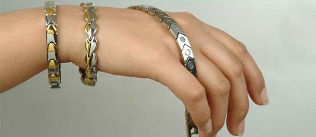 На какой руке носят магнитный браслет при повышенном давлении