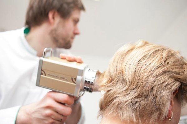 Чем лечить себорейный дерматит на голове и за ушами
