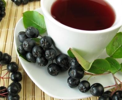 Как принимать черноплодную рябину от повышенного давления настой на водке?