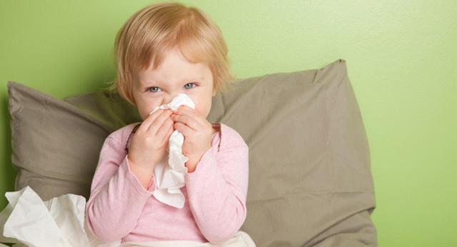 У ребенка сопли стекают по задней стенке и кашель чем лечить комаровский