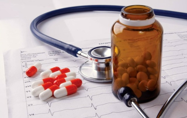 Какие лекарства принимать при повышенном давлении и учащенном сердцебиении?