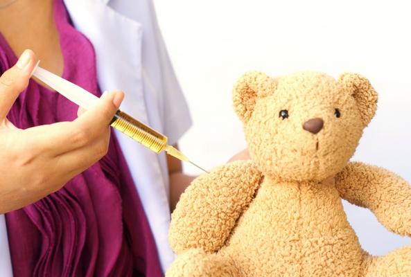 С чем связано отсутствие протективного иммунитета при использовании вакцины акдс