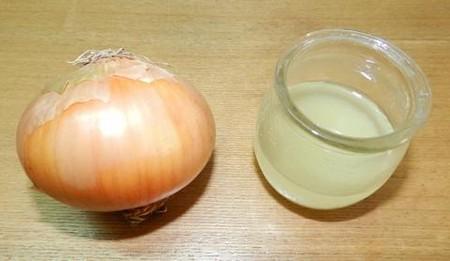 Яблоко с луком от кашля