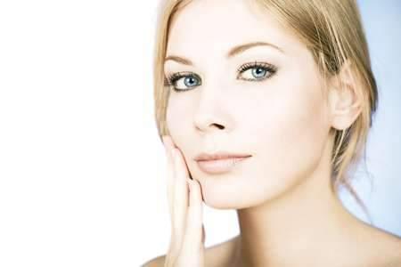 Банеоцин: полостное использование в ушной раковине, носовой полости, раневой поверхности