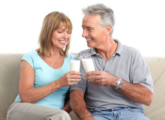 Польза и вред козьего молока для женщин после 50 лет