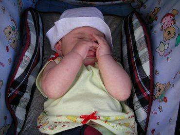Что делать если у грудного ребенка заложен нос а соплей нет?