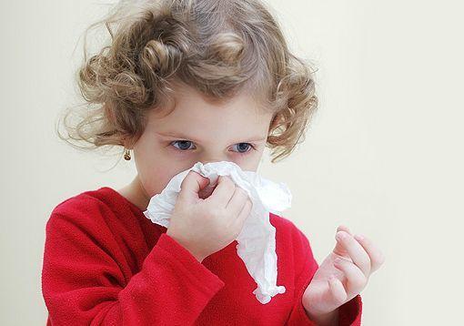 При повышенном давлении идет кровь из носа что делать