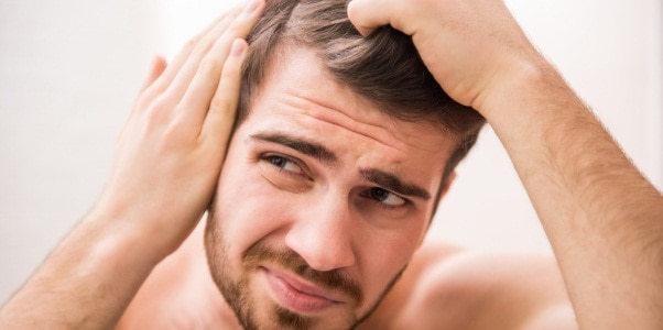 Как выглядит дерматит на голове и чем его лечить?
