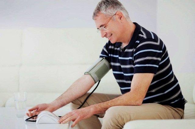 Причины повышенного давления у мужчин после 35 лет
