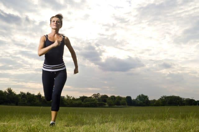 Можно ли заниматься на беговой дорожке при повышенном давлении?