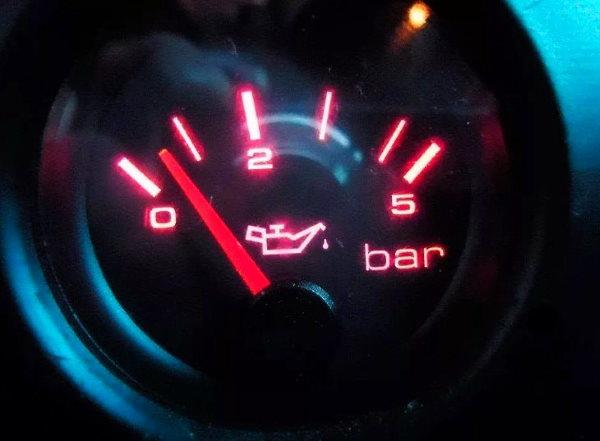 Из за чего может быть повышенное давление масла в двигателе